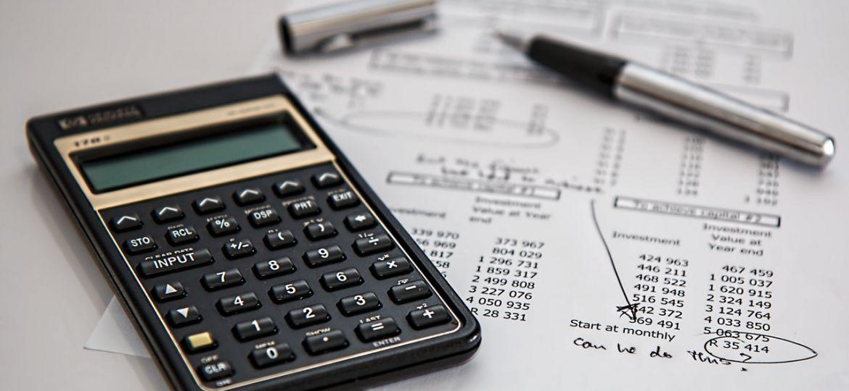 calculadora-caneta-graficos-documento